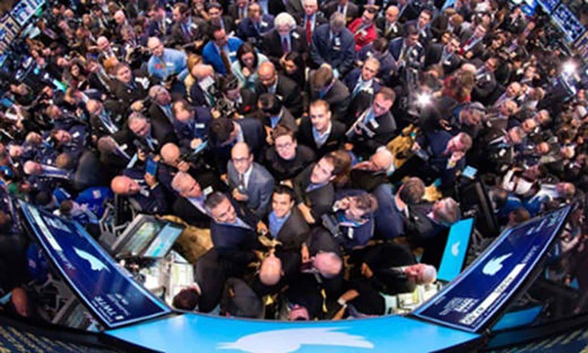 Wall Street : les titres Twitter enflamment la Bourse