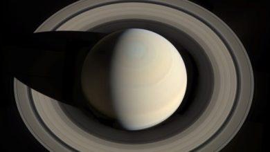 Soupçons de vie microbienne dans un océan d'une lune de Saturne