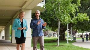 Virginia Rometty, PDG d'IBM et Tim Cook, directeur général d'Apple.