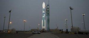 La fusée Delta II sur son pas de tir de la base aérienne de Vandenberg en Californie, le 2 juillet 2014.