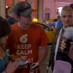 Caméra cachée : il fait croire à des passants qu'il a l'iPhone 6