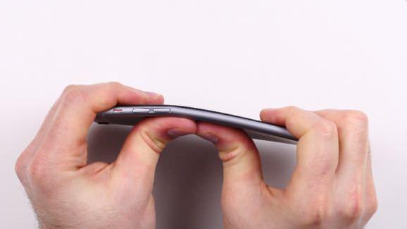 """""""Bendgate"""" : l'iPhone 6 se plie, mais il faut le vouloir"""