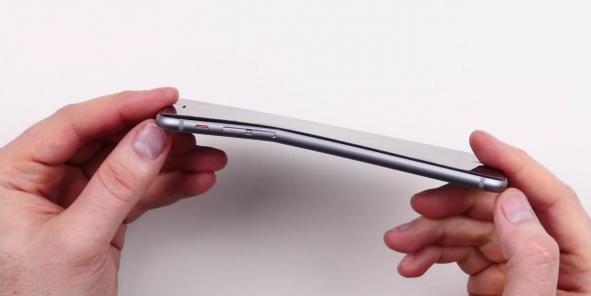 Les utilisateurs d'iPhone 6 et 6 Plus découvrent l'envers de la médaille