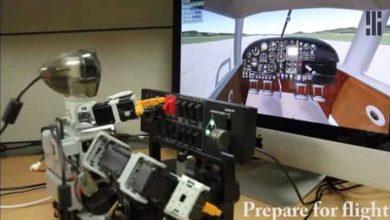 Capture d'écran de la vidéo de présentation de Pilot, le robot pilote d'avion.