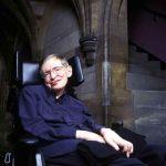 Intel et Stephen Hawking préparent un fauteuil roulant connecté