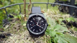g-watch-r-arrivera-debut-novembre-en-france