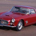 En 1957, la marque au trident sort la GT 3500, qui impressionne tant par son moteur que par sa ligne.
