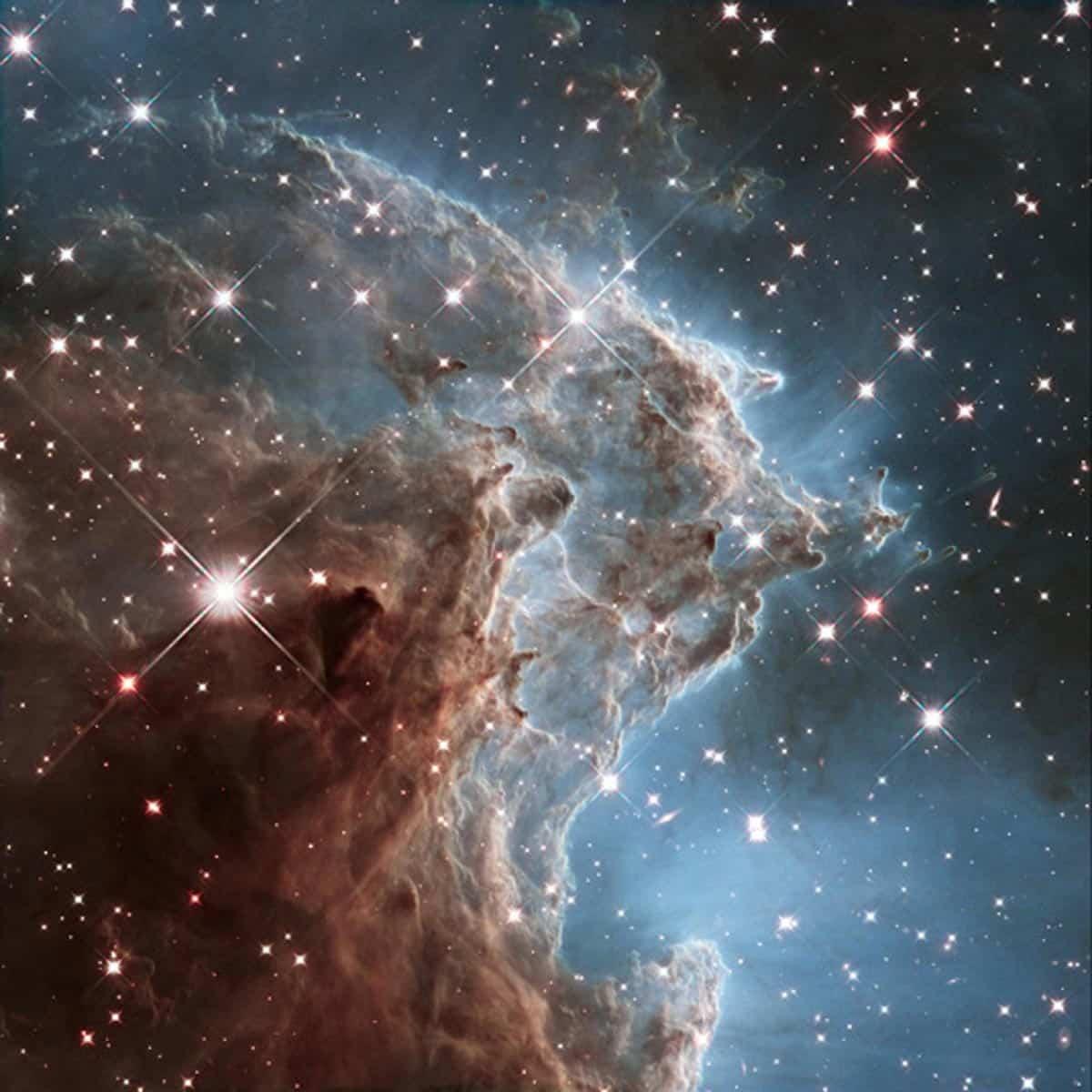20. Image d'une partie de NGC 2174, également connu sous le nom de la nébuleuse tête de singe. Cette photo a été utilisée pour fêter les 24 ans en orbite de Hubble (Photo : NASA/ESA/Hubble)