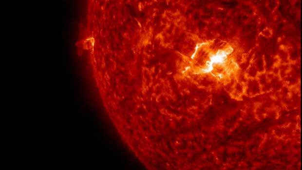 L'éruption solaire du 11 mars 2015 enregistrée par le Solar Dynamics Observatory de la NASA.