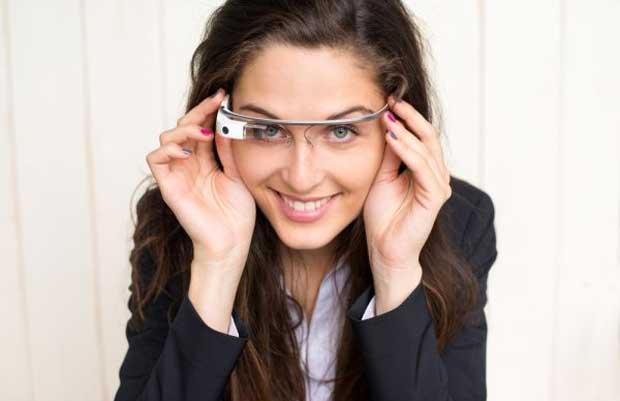 Les Google Glass pourraient arriver très rapidement dans le commerce....