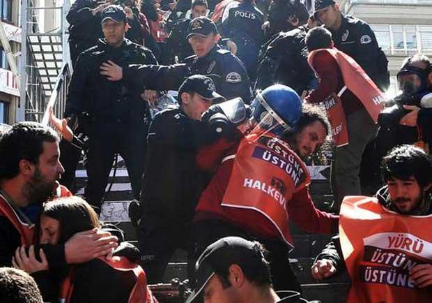 La Turquie bloque à nouveau Twitter et YouTube après la mort d'un procureur