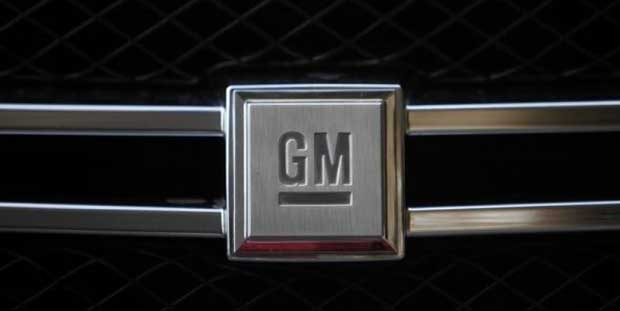 Voitures connectées : General Motors installe les systèmes Google et Apple