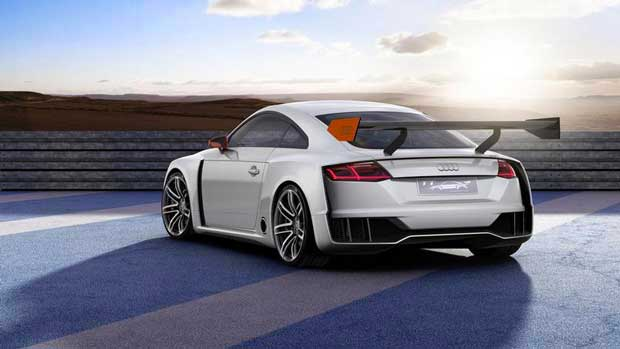 L'impressionnant aileron arrière provient de l'Audi Sport TT Cup.