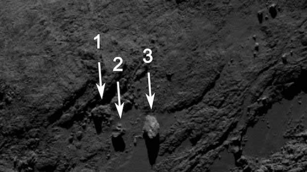 Mystérieuses roches en équilibre à la surface de Tchouri
