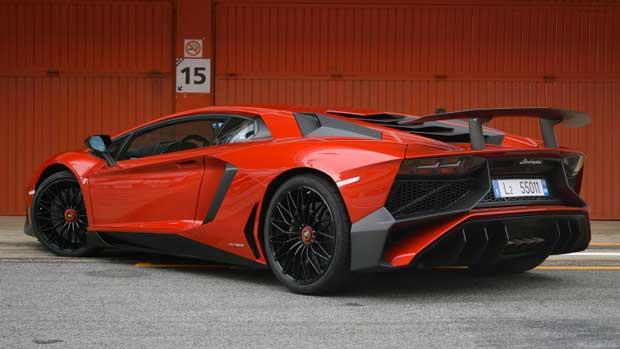 Seulement 500 exemplaires de la Lamborghini Aventador SuperVeloce Roadster