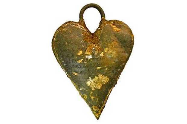 petite-boite-metallique-coeur-toussaint-perrien