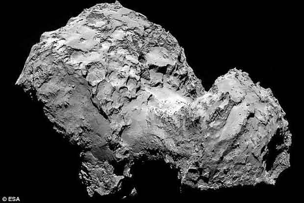 Il est prévu que l'orbiteur se rapproche beaucoup plus lentement que l'atterrisseur Philae, ce qui signifie qu'il sera en mesure de recueillir et envoyer plus de données et d'images.