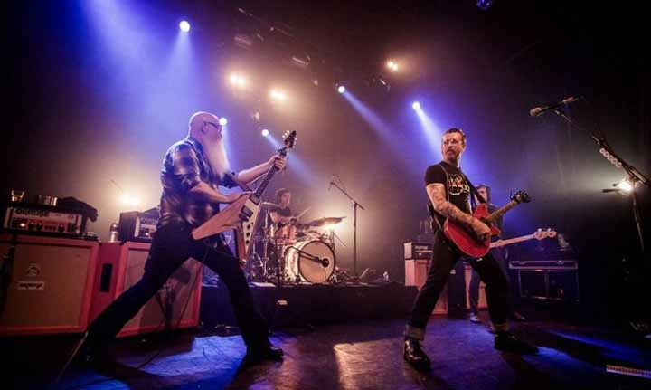 Eagles of Death Metal sur scène avant l'attentat.
