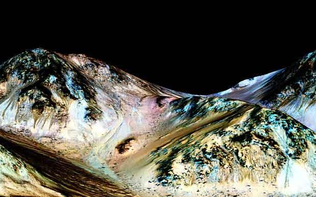 L'eau devait probablement couler sur Mars. (Nasa/JPL/University of Arizona)