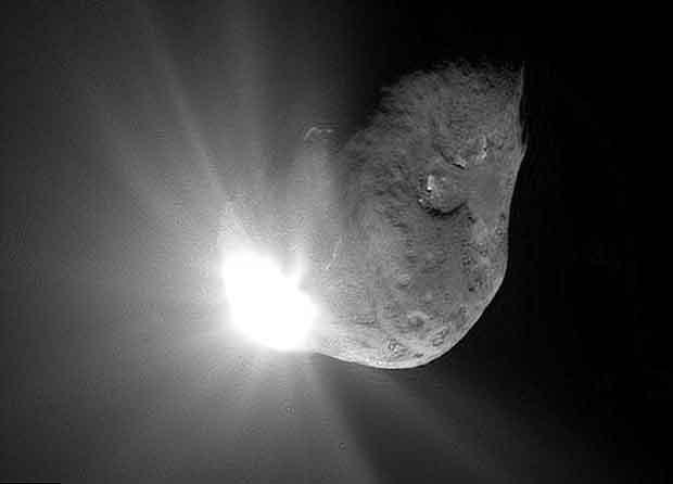 La NASA a envoyé la sonde Deep Impact contre la comète Tempel 1 le 4 juillet 2005 afin de pouvoir observer le résultat de l'impact.