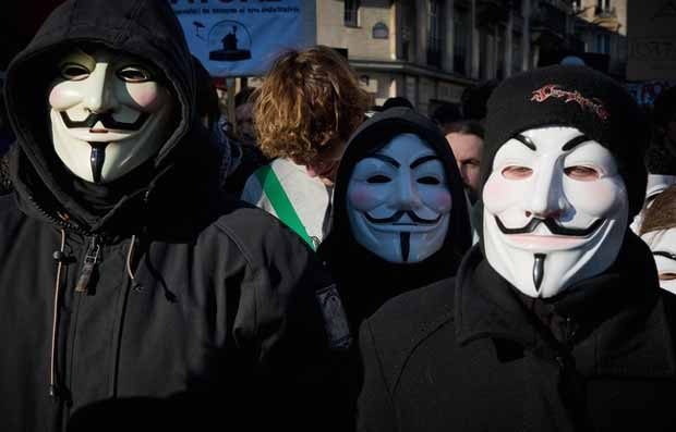 Trois Anonymous condamnés pour des attaques informatiques