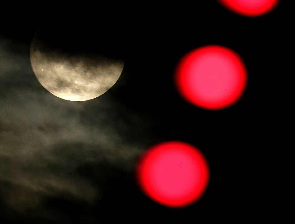 La pleine lune a culminé à 11h11 GMT. Ici, observée au Kansas le soir de Noël.