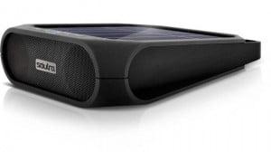 Le Soulra Rugged Rukus (100 euros) : Musique sans fil, énergie solaire et la possibilité de recharger un téléphone en un seul gadget © Soulra