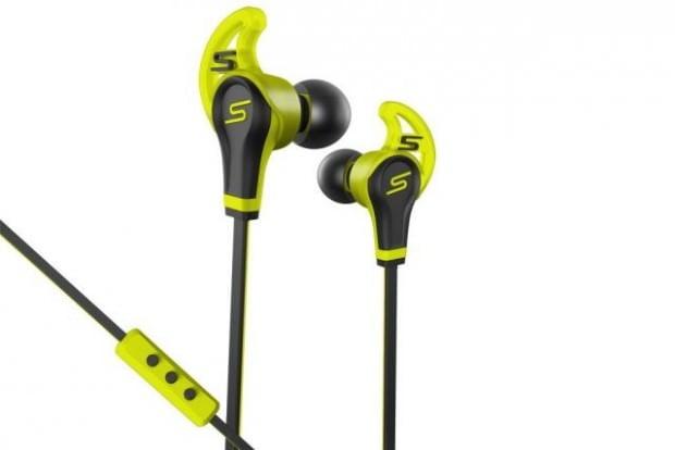 Des accroches intelligentes s'assurent que les écouteurs STREET by 50 In-Ear Wired Sport restent bien en place.