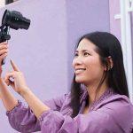 Bonne nouvelle, le Sony ILCE-QX1 pourra être utilisé pour capturer des selfies