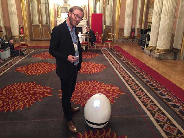 Pierre Lebeau créateur du robot Keecker