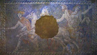 Photo of Tombeau d'Amphipolis : les dernières images de la mosaïque montrant Perséphone entraînée aux enfers