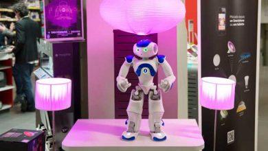 Photo de Darty embauche un robot Nao