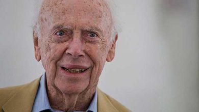 James Watson, le découvreur de l'ADN vend aux enchères son prix Nobel