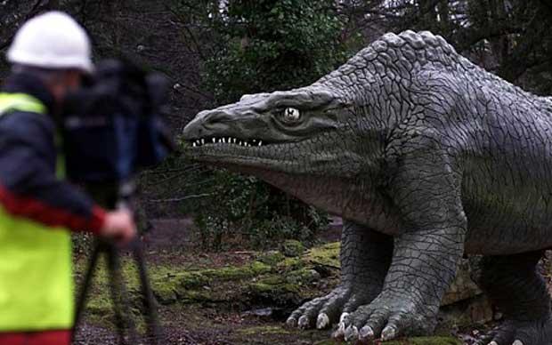 Rénovation du parc des dinosaures à Crystal Palace. Megalosaurus.