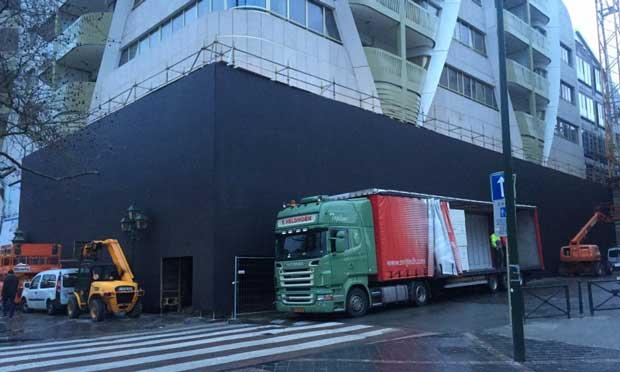 Le futur Apple Store de Bruxelles se camoufle 1