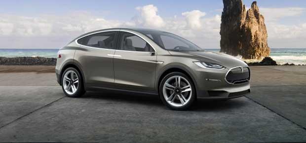 Tesla : le crossover Model X arrivera en 2016 1