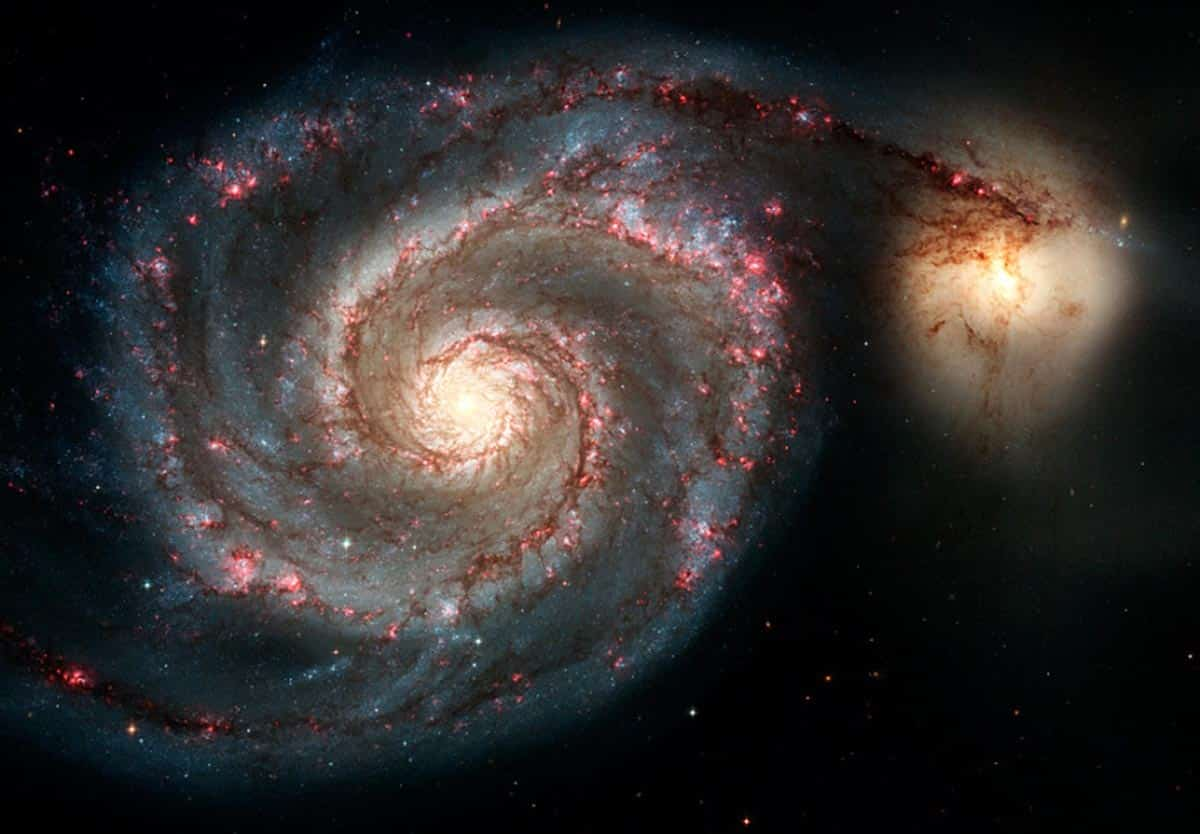 2. La galaxie spirale M51, également connue sous le nom de galaxie du tourbillon et de galaxie du compagnon (Photo : NASA/ESA/Hubble)
