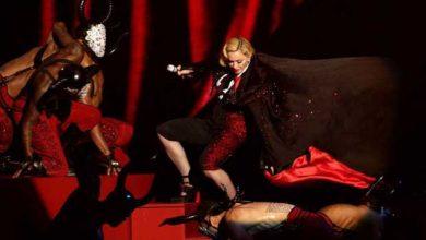 Photo de Brit Awards : la spectaculaire chute de Madonna crée le buzz