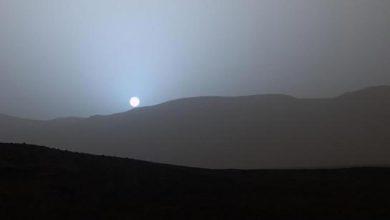 Photo de Curiosity : un spectaculaire coucher de soleil martien bleuté