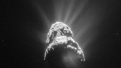 Image de la comète 67P/Churyumov-Gerasimenko prise par la sonde Rosetta le 28 avril, à 151 km de distance.