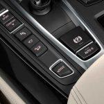 BMW électrifie aussi son imposant X5