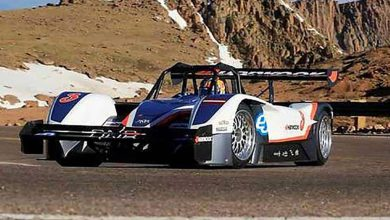 Photo de Pikes Peak : une voiture électrique remporte la plus célèbre course de côte au monde