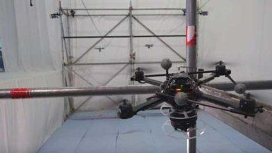 Photo of Vidéo saisissante de la construction d'un pont de corde par des drones