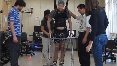 Marcher par la seule force du cerveau : un pas de géant pour tous les paralysés