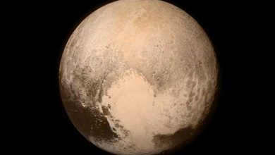 Photo de Pluton : une incroyable image de crépuscule sur des montagnes de glace