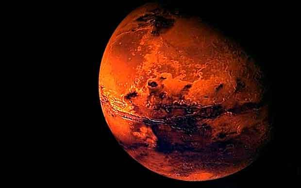 Grâce à la documentation de la NASA, on comprend mieux comme Mars, qui avait une atmosphère et de l'eau en abondance, est devenu un désert froid et sec.