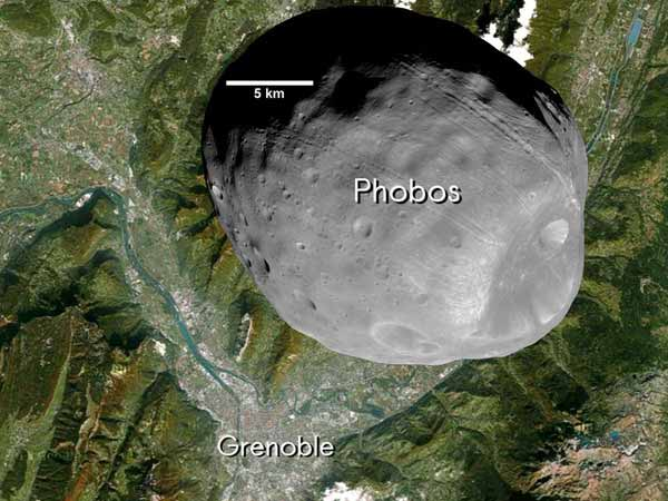 Phobos, une petite lune.