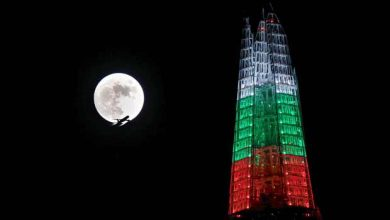 Photo de Événement rare, la pleine Lune de Noël en images