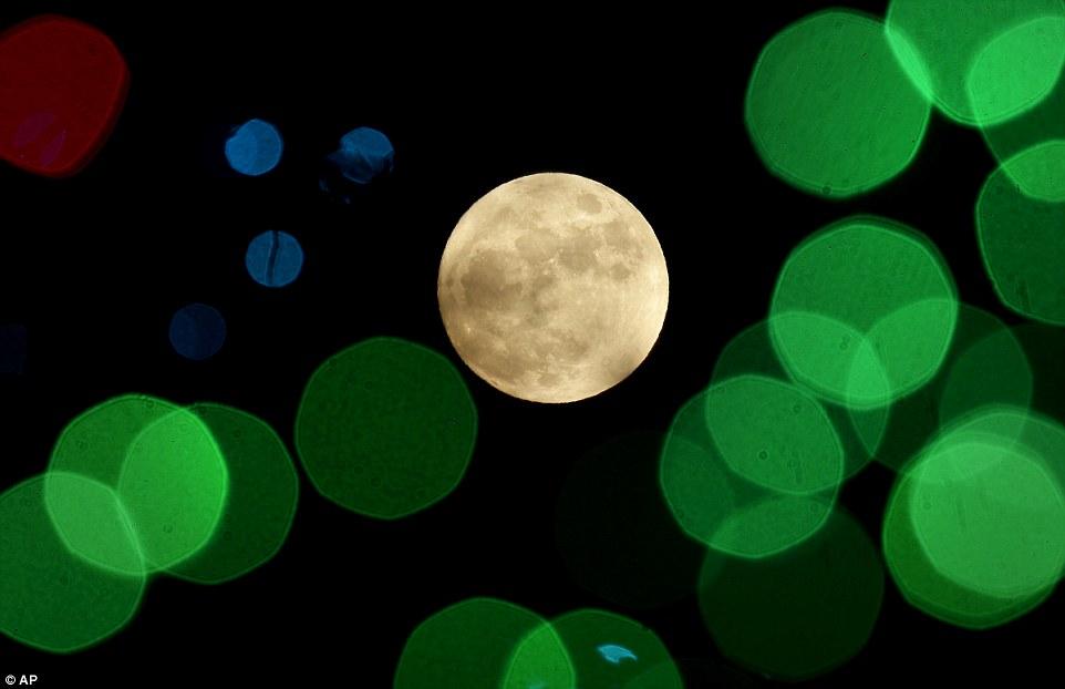 Photographiée depuis le Kansas, la pleine Lune de Noël est un événement rare.