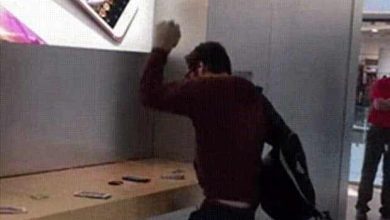 Photo of Regardez comment un homme en colère saccage un Apple Store